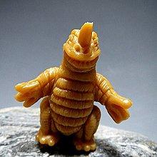 【 金王記拍寶網 】(常5) W5352  早期日版袖珍老玩具 特攝怪獸老品一隻 絕版罕見稀少 (櫥櫃袖珍品老玩具珍藏)