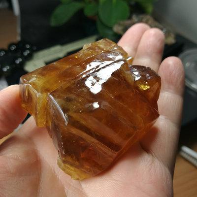 [友克鑫礦業]16約重135.5g琥珀色黃方解石Calcite蜜糖色霰石Aragoni原礦