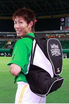 貳拾肆棒球-日本帶回Mizuno pro 火鳥金標日職棒軟銀鷹球員版後背包