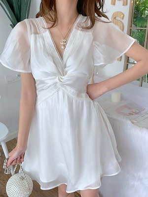 Riz collection高端女裝 2020新款春季收腰仙女簡約氣質交叉修身時尚白色連身裙女