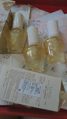PAUL JOE 糖瓷香檳金限量隔離乳 S 6月年中慶 每罐688*3 , 妝前保濕打底必備
