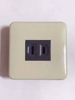 【高雄日電行】日本原裝 Panasonic 國際牌松下WTF7071G Cosmo系列迷你插座板 土黃色面板 黑色插座