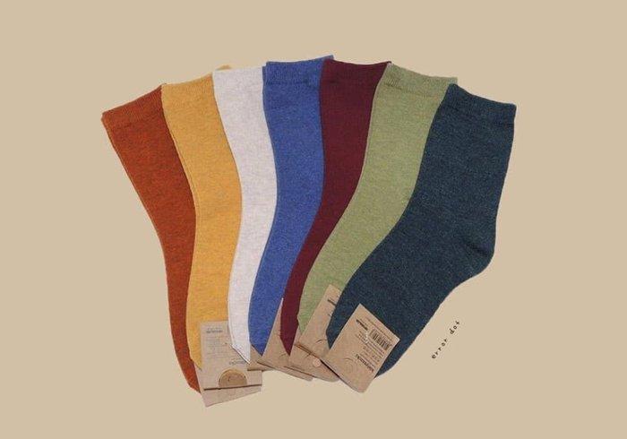 。error dot。韓國製四季協奏曲濃色系素色素面襪子