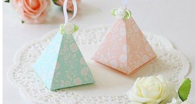 ☆╮Jessice 雜貨小鋪二館╭☆ 祕密花園  三角紙盒 婚禮小物 喜糖盒 單款式10入