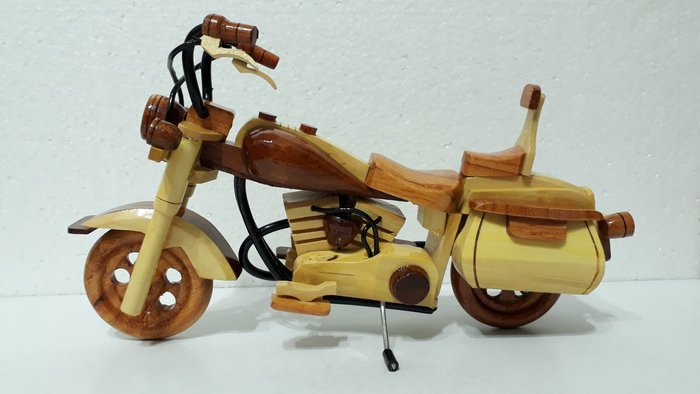 【九龍藝品】柚木雕刻 木雕 哈雷機車 擺飾品.木製品      競標