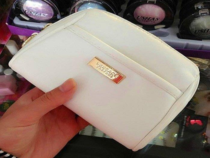 ( 新品現貨)Versace 范思哲  專櫃積分滿額禮 珍珠白色 氣質拉鏈款 手拿包/ 化妝包/ 小包/ 錢包