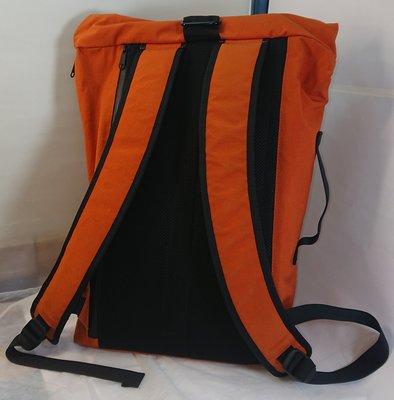 絕品 SMALL DOLL 原廠 原型背後式背包 橘色 Prototype Mirai Carry ver 1.0