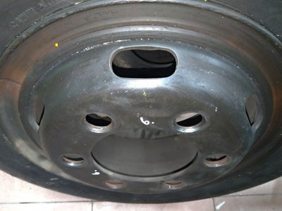 18年製 含鐵圈可直裝上車 R200 700R16 普利司通 堅達 3噸半 貨車 二手 中古 輪 胎 單輪2500元