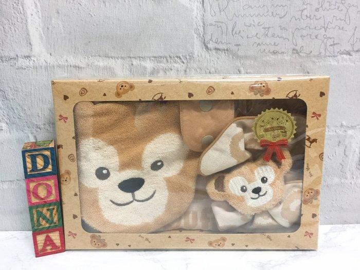 【Dona日貨】日本迪士尼海洋限定 超可愛duffy達菲熊嬰兒專用 三件組(圍兜兜+口水巾+手搖鈴) C12