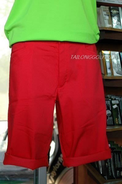 全新 NIKE Golf 高爾夫短褲 FIT-DRY球衫科技 時尚又休閒 6折 (零碼36腰)