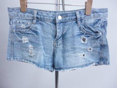 99元起標~Cuttle~刷破設計牛仔短褲~SIZE:L