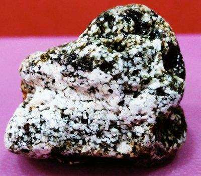 隕石原礦 二氧化矽多晶型月球花崗岩隕石 13.2g silica polymorphs in lunar granite