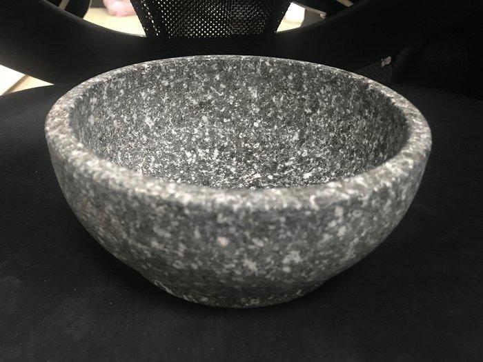 【無敵餐具】韓國石頭碗(韓國製-16CM)韓式拌飯/烤肉飯/燒烤飯 質量超厚耐用 量多歡迎詢價【P-01】
