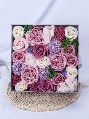 淡紫色24朵玫瑰花肥皂方形禮盒 (F0004)