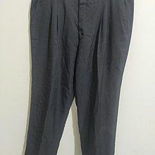 大尺碼打摺細條紋西褲
