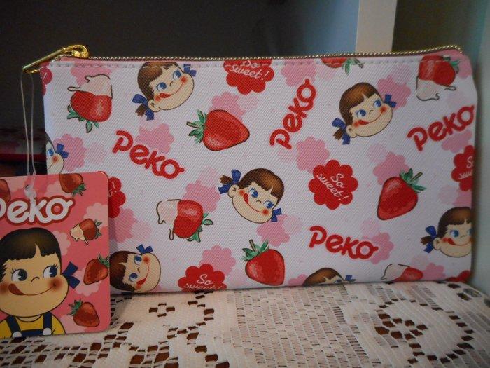 ~~凡爾賽生活精品~~全新日本進口正版不二家牛奶妹草莓造型化妝包.收納包