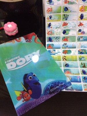 海底總動員2-多莉去哪兒---防水彩色授權姓名貼紙~1.3*3cm一份144張-附小資料夾/8折特賣中