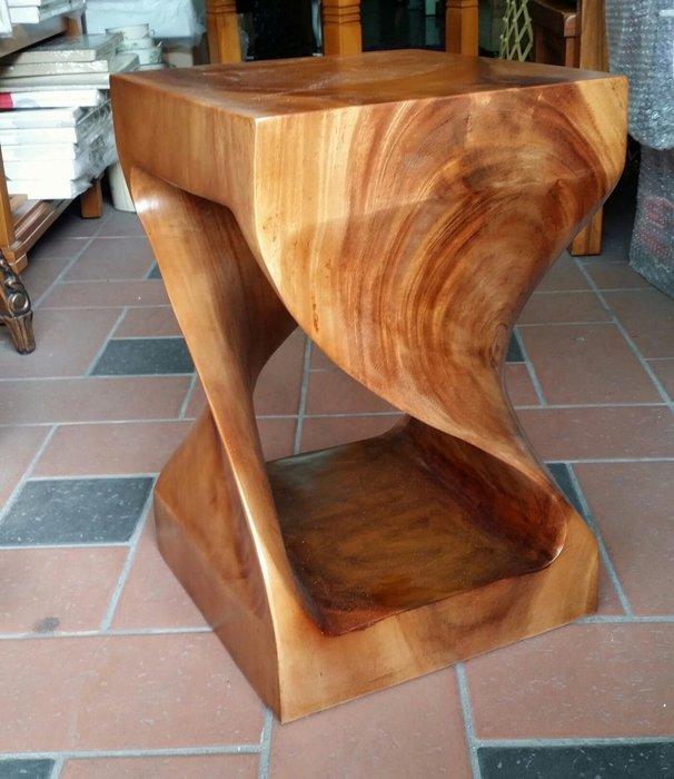美生活館-- 全新印尼鐵刀木原木 S 型厚板板凳/餐椅/休閒椅/花台--特優2880元