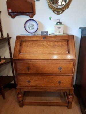 【卡卡頌 歐洲跳蚤市場/歐洲古董】英國老家具_橡木雕刻 古美銅飾 古董寫字桌 書桌 化妝桌 收納櫃 t0107✬
