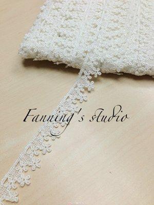【芬妮卡Fanning服飾材料工坊】朵朵小花蕾絲 高2cm 1碼入