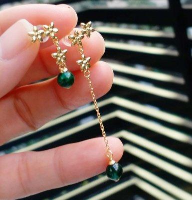 嗨,寶貝銀飾珠寶* 翡翠飾品☆925純銀鍍黃金 天然緬甸玉保A貨 造形設計款 非對稱花卉 滿綠辣綠翡翠純銀垂墜耳環