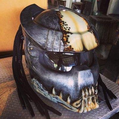 (硬骨頭)鐵血戰士 終極戰士 狂戰士 Predator 安全帽 嬉皮 哈雷 重機 彩繪(五彩鏡片)
