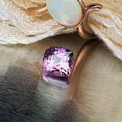 揚邵一品(附國內外雙證)1.54克拉紫羅蘭藍寶石 無燒天然 葡萄般色澤垂涎可口 顯貴氣俏皮 紫色剛玉