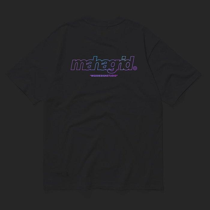 【QUEST】現貨 MAHAGRID MGD - RAINBOW REFLECTIVE THIRD LOGO TEE 白