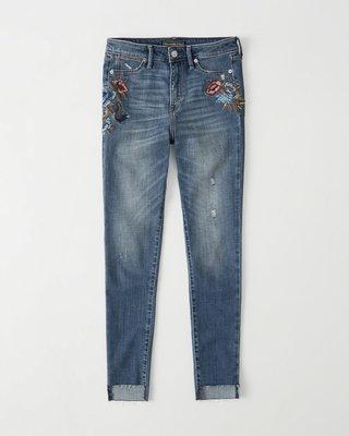 Maple麋鹿小舖 Abercrombie&Fitch * AF 電繡花花圖樣破損風牛仔褲*( 現貨26S號 )