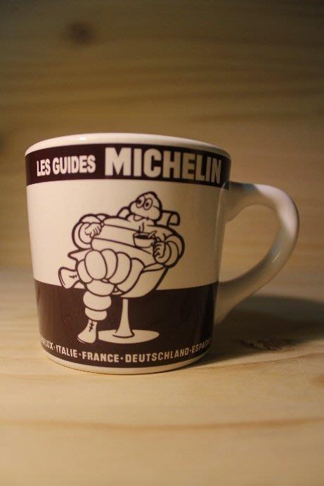 (I LOVE樂多)MICHELIN 米其林 人偶象徵印刷 馬克杯 (咖啡色款)多種相關商品供你選擇