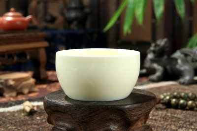 《福爾摩沙綠工場》@ 龍泉青瓷大桶杯(黃),尺寸寬7高3.6公分,容量85CC@一只特價100元@ 台中市