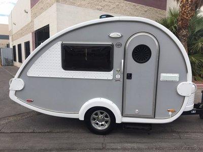 全新美國原廠 15 FT 玻璃籤維 露營車 露營拖車--民宿 旅館 農場 房間補充最佳選擇