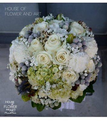 【Flower&House花藝之家】F015。銀色戀人季節限定。歐式手綁新娘捧花。拍照捧花。自取價