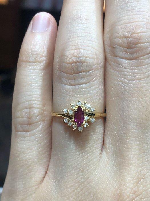 天然粉紅剛玉鑽石戒指,寶石火光閃亮,鑽石白亮,輕珠寶設計款式,超值優惠價8800,精選商品只有一個