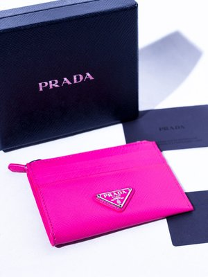 PRADA saffiano leather credit card holder. 信用卡包 零錢包 卡片包 普拉達