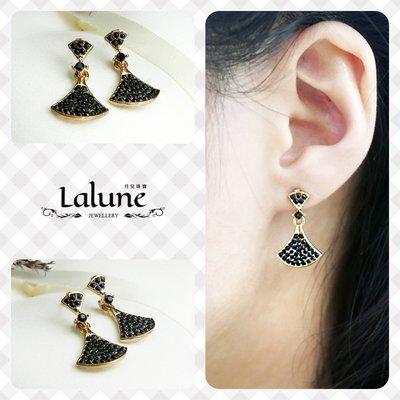 Lalune 月兒珠寶 ||女爵風範|| 金黑色鑲鑽扇形銀針垂墜耳環 造型耳針 水鑽CZ白鑽 925純銀