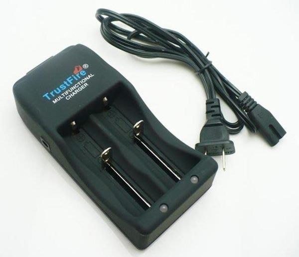原廠正品Trustfire TR-006 多功能 26650/25500/18650/18500/14500充電器