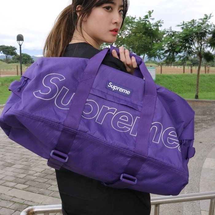 玉米潮流本舖 SUPREME DUFFLE BAG 45TH FW18B9 大LOGO 菱格 行李袋 FW18