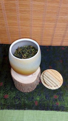 (店舖不續租清倉大拍賣)簡銘炤先生--柴燒茶倉,原價3600元特價1800元