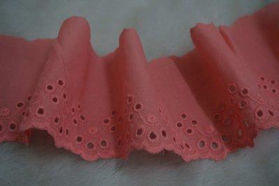 便宜地帶~深粉紅色7.5公分寬純棉繡花蕾絲剩40尺賣260元出清.DIY.拼布