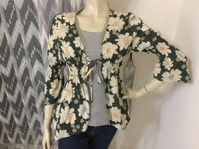 專櫃Felino 綠系印花棉質典雅外套罩衫 ~AJ衣飾 hg