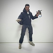 先閱文,後發問Hottoys IRONMAN 3 拆售Tony stark the mechanic