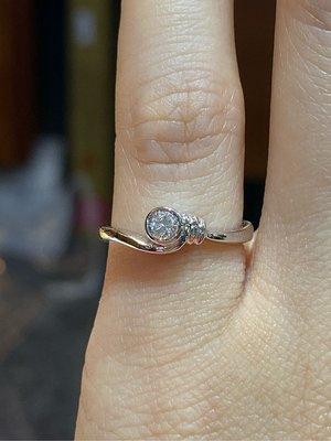 13分天然鑽石戒指,可當尾款式,超值優惠價6980元,經典款式設計,簡單適合平時佩戴,現貨只有一個