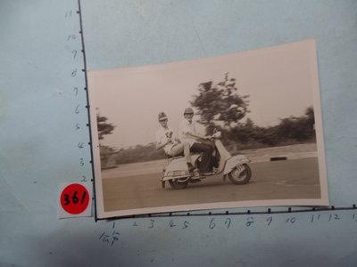 老機車,,偉士牌,摩托車,古董黑白,照片,相片6