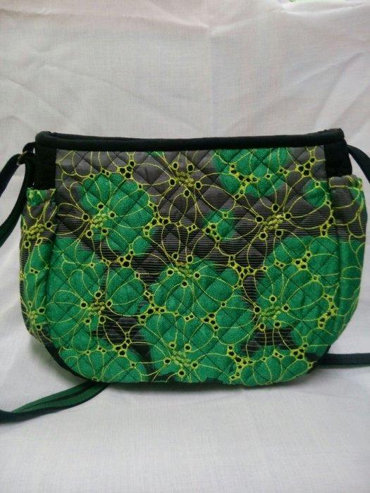 綠色斜揹包花色鮮艷花色美