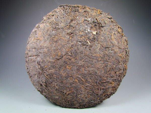 可以堂普洱茶苑 歲月修練20年剃飛老茶餅藏家釋出沁心茶滋味特價1600元大樹茶!