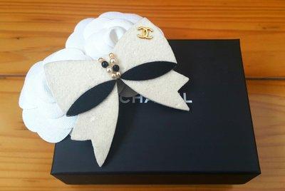 Chanel 香奈兒黑白蝴蝶結金色logo別針/ 胸針 高雄市