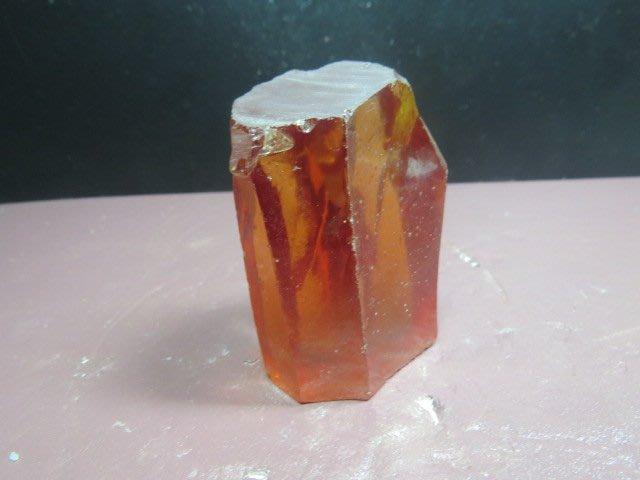 【競標網】高檔天然(橘紅色)鋯石水晶原礦522公克(網路特價品、原價3500元)限量一件