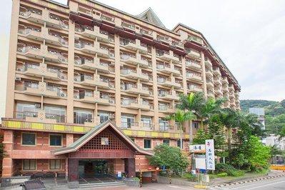快樂自由行 台東 知本 高野大飯店 假日雙人豪華客房 含早餐+SPA水療