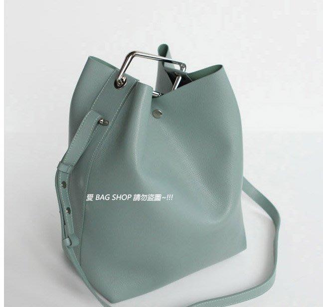 愛 BAG SHOP 韓包專賣 正韓製 名品風格 造型把手 防刮 真牛皮革 水桶包 大 / 小 2SIZE 預購 小款
